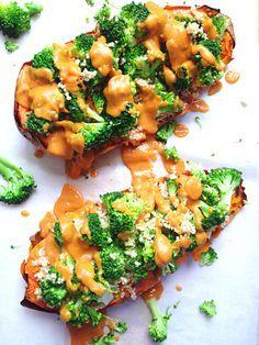 Patate douce au four quinoa brocolis sauce crémeuse vegan végétalien