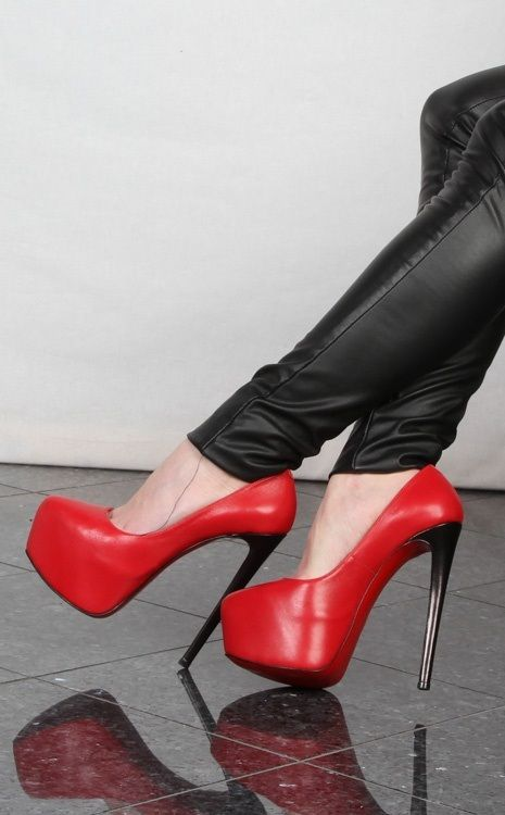 red high heels fashion shoes heels image 7 http://www.womans-heaven.com/red-heels-7/