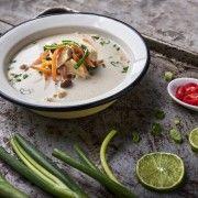 Tom Kha Gai – Thai kókusztejes csirkeleves Rendelés:  http://gourmetbox.hu/shop/paleo-boxok/tom-kha-gai-thai-kokusztejes-csirkeleves/