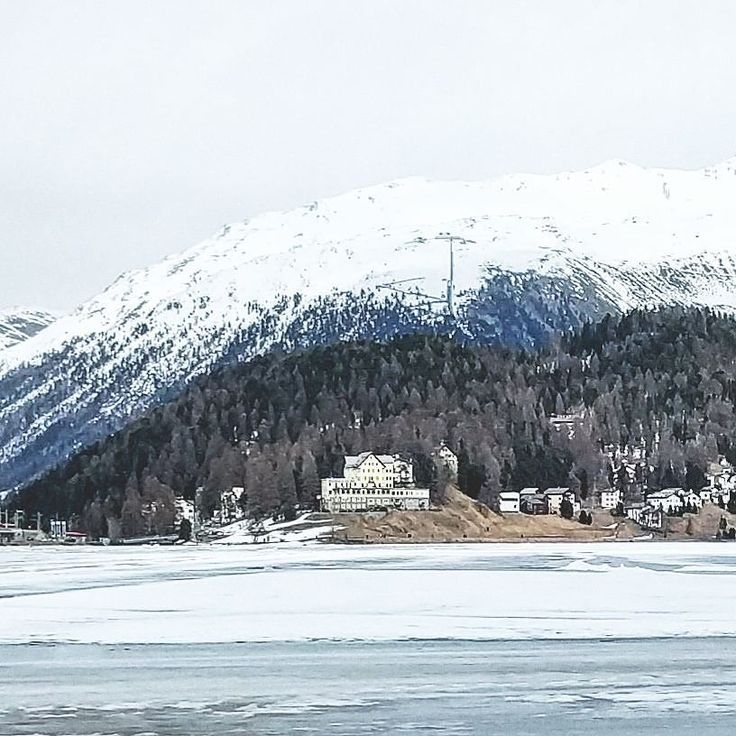 Sul lago ghiacciato #swiss