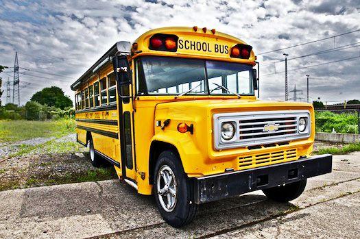 1-school-bus-schoolbus-gelb-us-bus-gelber-bus-koeln-event-messe-show-fotografie-location-mieten-kaufen-event-mobile