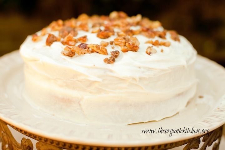 Hummingbird Cake. It just sounds delightful doesn't it? The recipe for Hummingbird Cake was born in Jamaica. What sets Hummingbird Cake apart from other cakes is the use of oil instead of butter. There are literally hundreds of Hummingbird Cake recipes on the internet. So what makes m