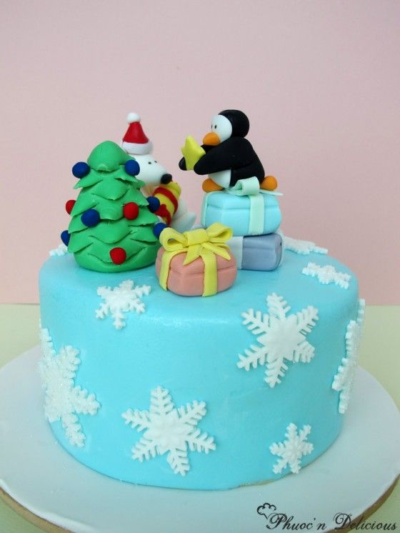 51 best images about Christmas cake decoration on ...