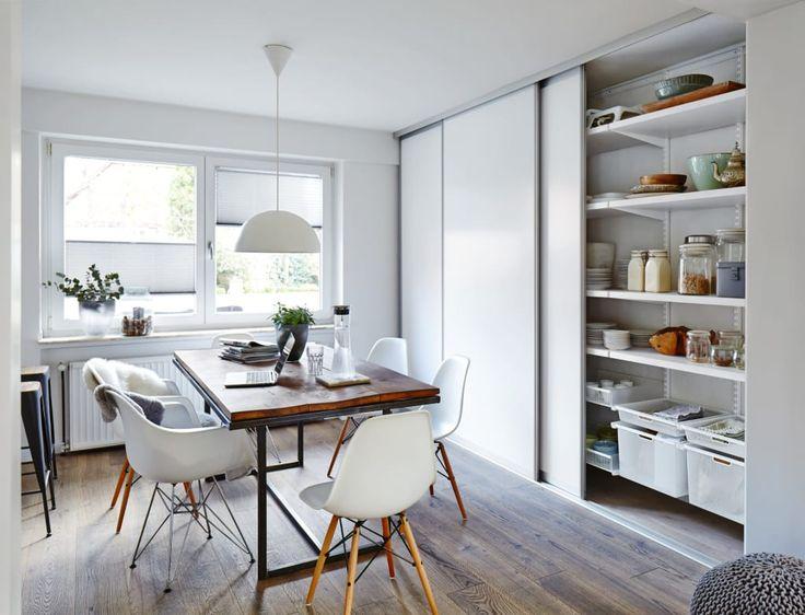 Foto di sala da pranzo in stile in stile moderno di bauer schranksysteme gmbh   homify