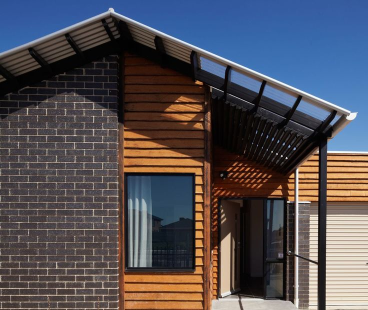 This VicUrban Housing project is using Radial Timber Natural Edge Weatherboards. For more info: http://radialtimbers.com.au/portfolio-type/vicurban-sustainable-affordable-housing-initiative/