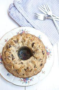 zuckerfreier Bananengugelhupf (geht auch als Muffin). habe es ausprobiert - Prädikat lecker!
