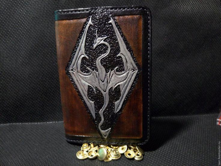 Купить Кожаная обложка на паспорт в стиле TES 5 Skyrim - коричневый, обложка на паспорт, skyrim