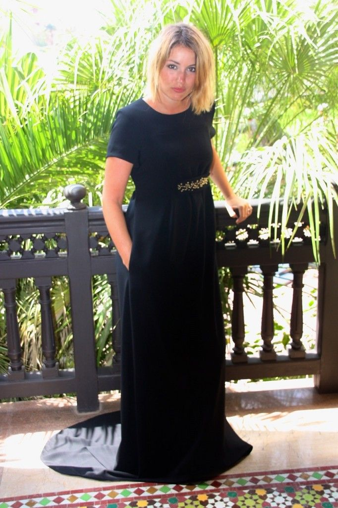 La robe reine de Morgan Kirch est la nouvelle génération des robes de soirée chic, tendance et comfy. Une robe de soirée à poches, et avec une longue traîne