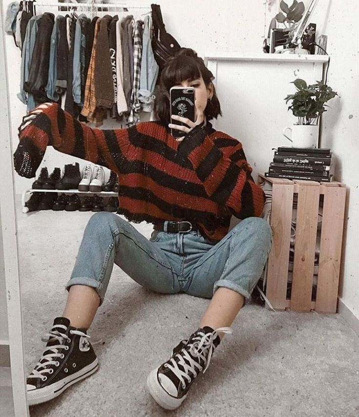 80 Outstanding Grunge Outfits Ideas For Women #grungeoutfit #grungeoutfitideas #grungeoutfitwomen | digitalhiten.com
