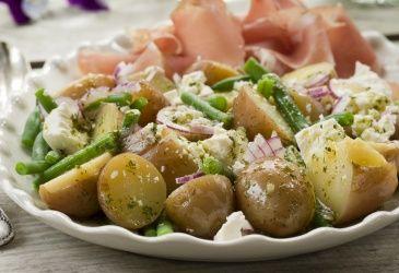 Potetsalat med fetaost og spekeskinke