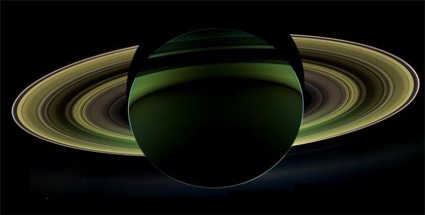 Nasa captura fotografía a contraluz de Saturno | Tendencias | LA TERCERA