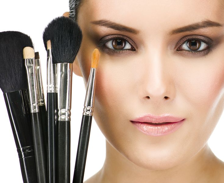 How to Use Different Types of Makeup Brushes