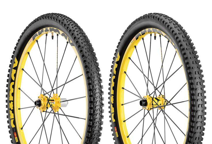 MAVIC 2015 Paire de Roues CROSSMAX ENDURO   26''   Av 15-20 mm pneu Charge   Ar 9-12 mm pneu Roam XL   6 Trous