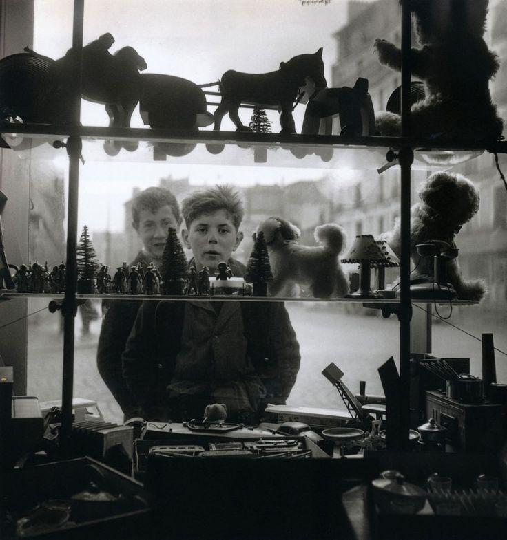 Robert Doisneau Shop Window, 1947 From Paris