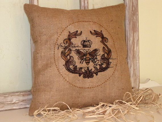 Vintage inspired Bee emblem embroidered by BrambleWoodANDivy