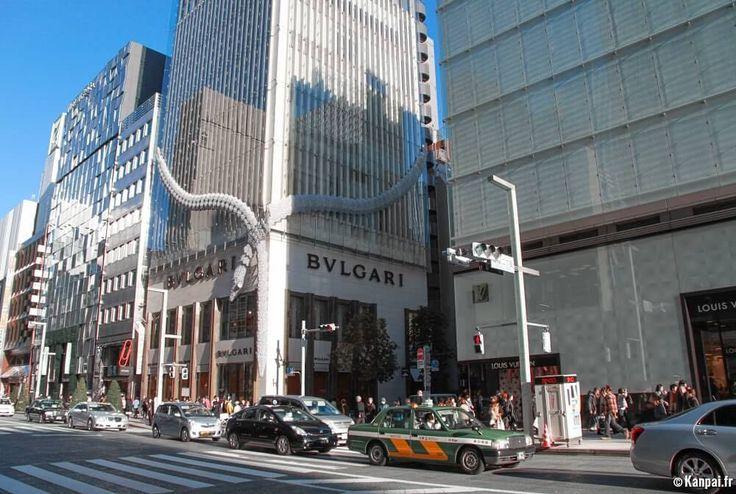 Magasins de #luxe sur l'avenue principale de #Ginza à #Tokyo Plus d'infos et photos sur http://ift.tt/1Qshbna [Une photo du #Japon par jour] (by kanpai.fr)