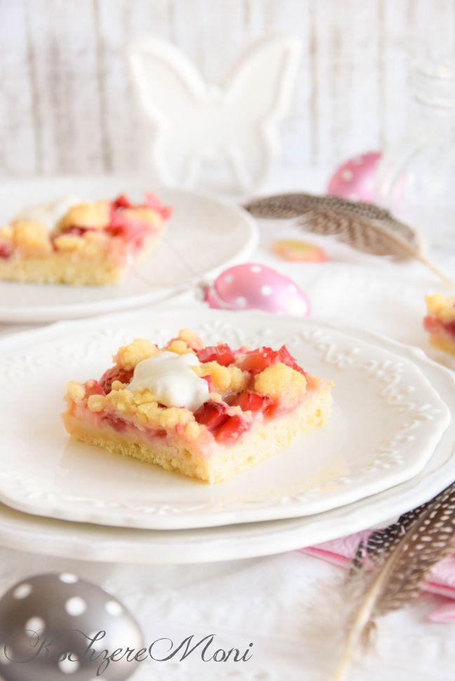 Erdbeer Rhabarber Streuselkuchen vom Blech mit Quark-Öl-Teig