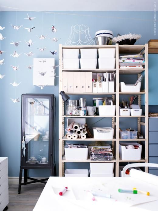 ivar hyllsystem har f tt s llskap i pysselverkstaden av fabrik r sk p storage pinterest. Black Bedroom Furniture Sets. Home Design Ideas