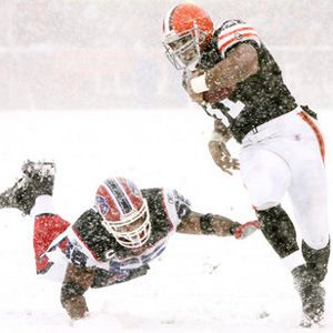 "Browns-Bills: December 16, 2007 40 mph winds, a lost 50-yard line and at least two inches of snow during the game made this 2007 Browns-Bills game a classic. The Browns won the game 8-0 in front of a raucous crowd that wouldn't think of going home where they'd have to shovel snow. ""I know I would've stayed home,"" said center Hank Fraley. ""That's a testament to how these fans love us,"" he told the Cleveland Plain Dealer."
