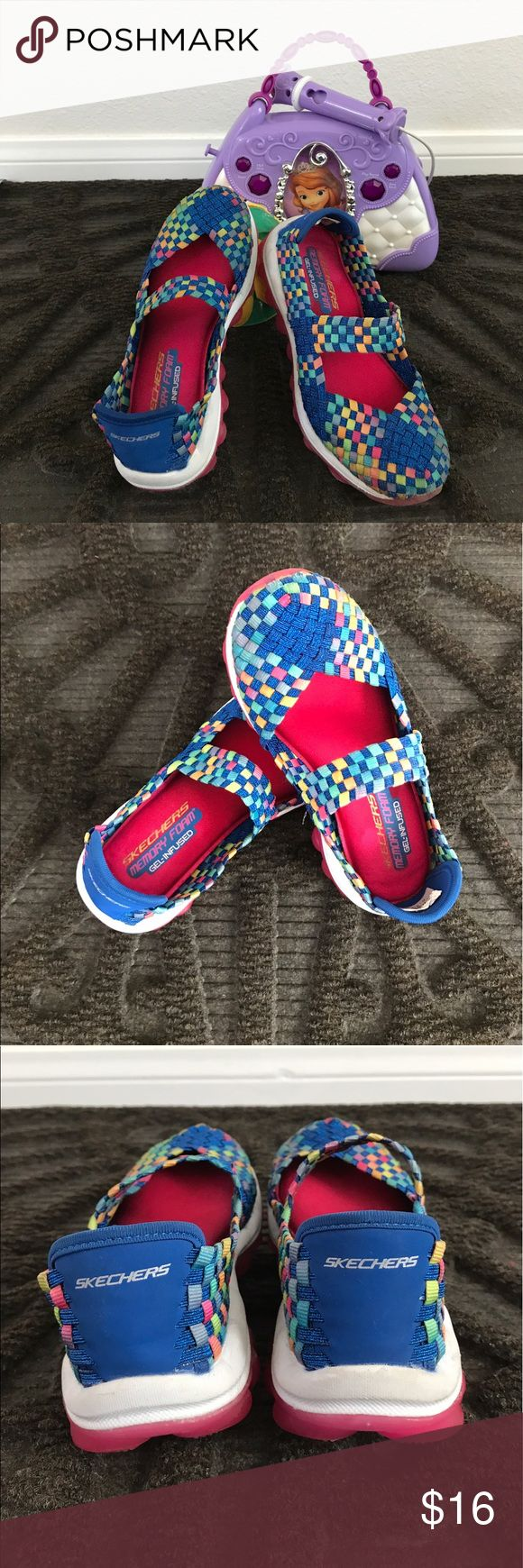 Girls Sketchers Memory Foam Gel-Infused Sporty Colorful woven fabric Mary Jane shoes from Sketchers. Great condition and super comfortable. Skechers Shoes Sneakers