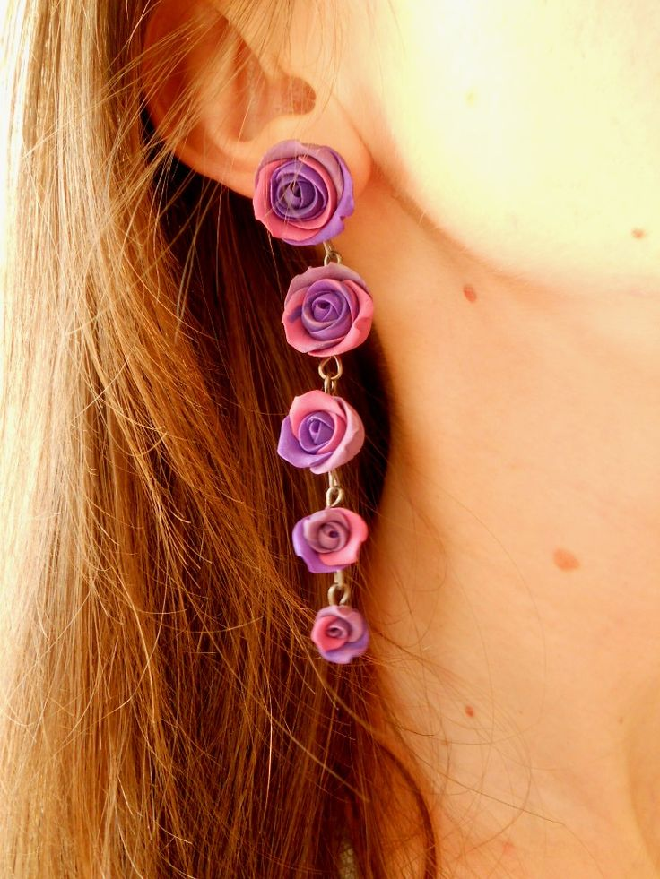 I love roses-this would be cute as a necklace.