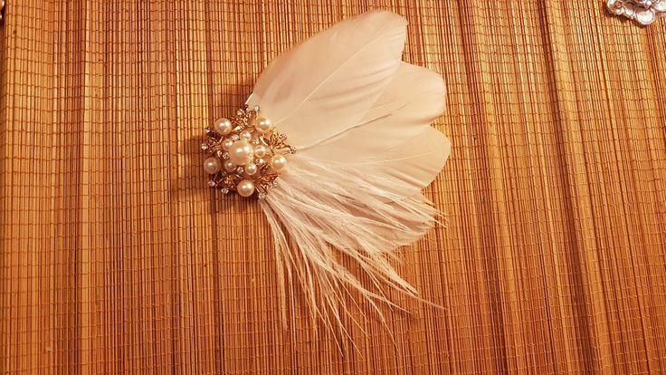 Bridal Hair Clip Bridal Feather Fascinator, Gold tone Feather Hair Piece, Wedding Hair Accessory, Bride feather fascinator, feather hairclip
