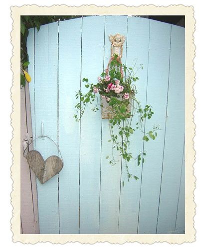 Old Painted Cottage gate, love it