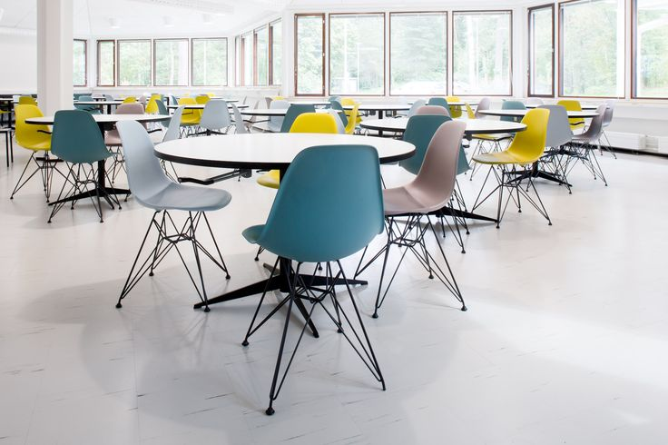 Cafeteria design by Sistem Interior Architects / Tapiola school and high school