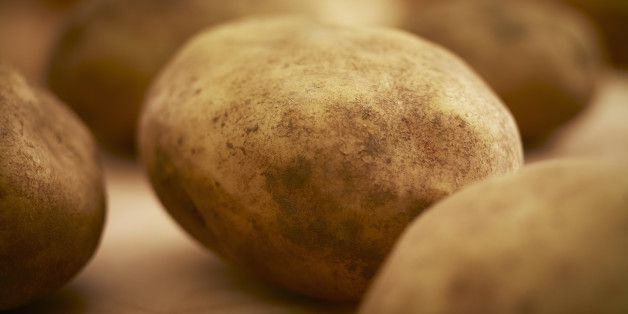 A Simple Kitchen Trick Will Change The Way You Peel Potatoes