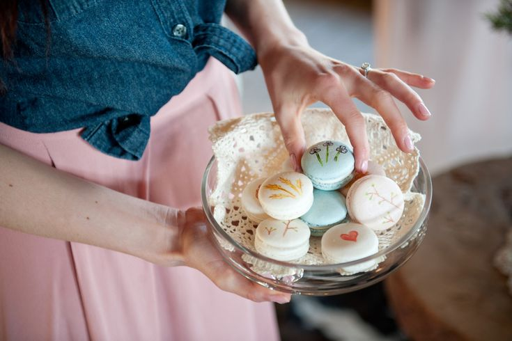 Play With Cliche for an Updated Stampede Party Macarons by Ollia