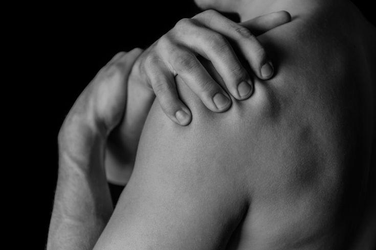 Les inflammations des articulations vont souvent de paire avec un grand nombre d'autres problèmes de santé comme l'arthrite, la goutte et la sténose lombaire. La médecine officielle est impuissante à traiter les vives douleurs des articulations, mais des remèdes naturels peuvent vous guérir sans les médicaments pharmaceutiques. Ce traitement comprend du pimentde Cayenne et de …