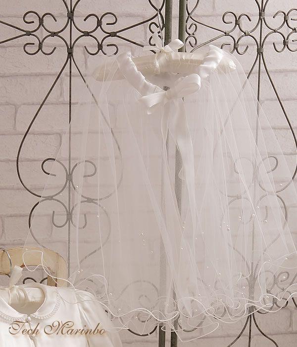 ウェディングドレス、買ったはいいものの保存方法に困ってます…。結婚式のウェディングドレスをレンタルではなく購入した皆さんは、その後ドレスをどのように管理していますか?クローゼットに保管?中古ドレスとして手放す?誰かに譲る?恐らくもう二度と着るという機会は無いでしょうから管理にちょっと困りますよね。今回は「購入したウェディングドレスの管理」についてお悩み解決策をご紹介します♡♥ウェディングベールをベビードレスにリメイク♥ドレスやベールなどのウェディングアイテムを手がけるブライダルショップ『ウエディング工房 てくまりんぼ』。こちらでは結婚式のときにまとったベールを、生まれてきた我が子への『ファーストバースデードレス』へとリメイクする「ウェディングベールリメイク」というサービスをおこなっています。リメイク後はこんな風に生まれ変わります ↓ ↓出典元:http://marinbo.com/大切にとっておきたいけどもう使う機会もない…そんなベールが愛する我が子へのドレスに生まれ変わるなんて素敵ですね。このようなバースデードレスがとても人気ですが、他にも様々なア...