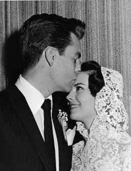 Robert Wagner and Natalie Wood---Usnook---The first portal of US info