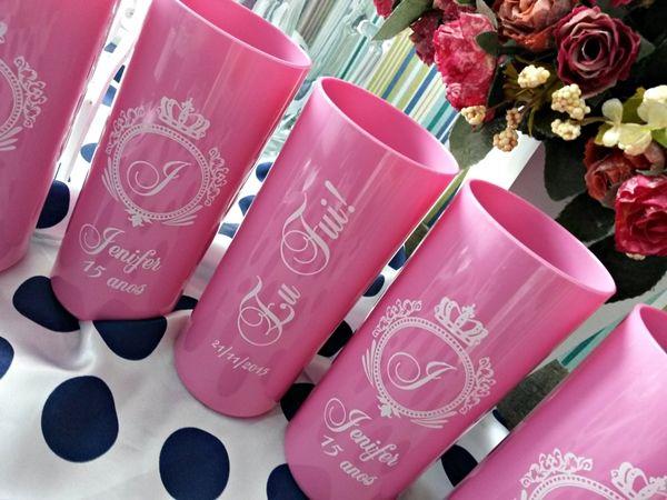 Taças de vidro ou acrílico, copos de acrílico. T Personalizados Brindecef para festas, comemorações e eventos.
