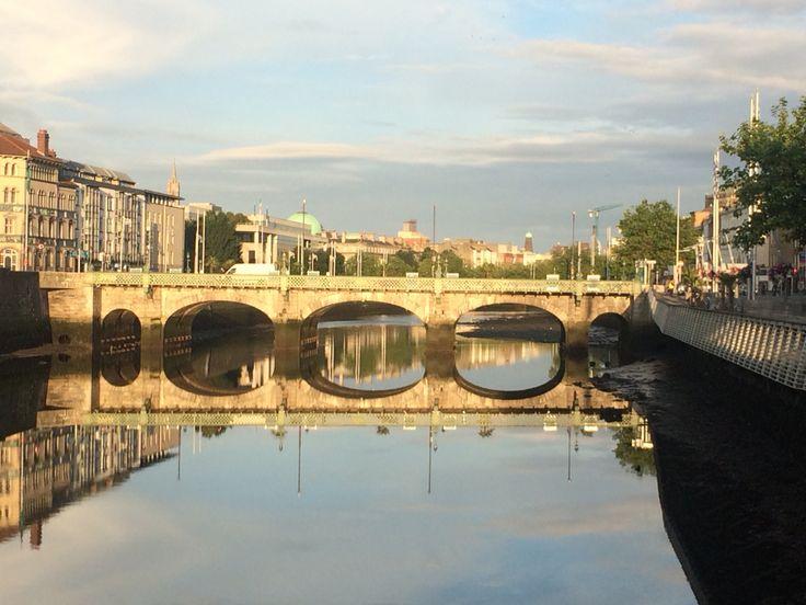 Early morning stillness in Dublin City #dublin #dublincity #dublinireland #photosofdublin #stillnessinthecity