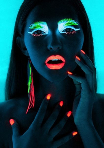 Glow in the dark neon color make up and nail polish for rave parties