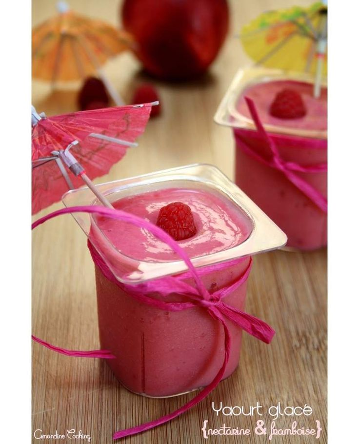 Yaourt glacé aux nectarines et framboises