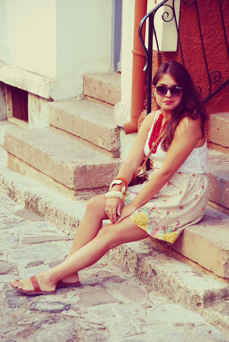 http://fashiongarden.gr/vintage-piece