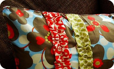 Simple Sewing Project - Ruffle Pillows!!