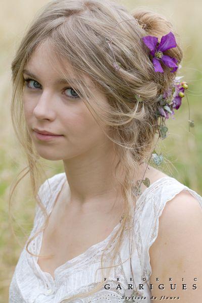 07 coiffure mariée fleurs -bijoux-floraux-frederic-garrigues (2)