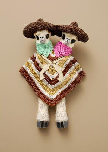 Felieke van der Leest | Gonzalez Brothers, broche; textiel, kunststof, zilver, goud, zirkonia, 11 x 7 x 2,5 cm > collection TextielMuseum