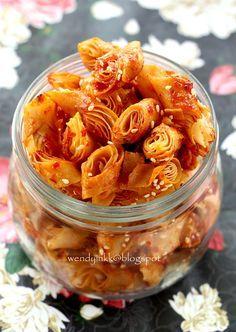 Table for 2.... or more: Sweet Chilli Crisps~Popiah Gunting Bersira Pedas
