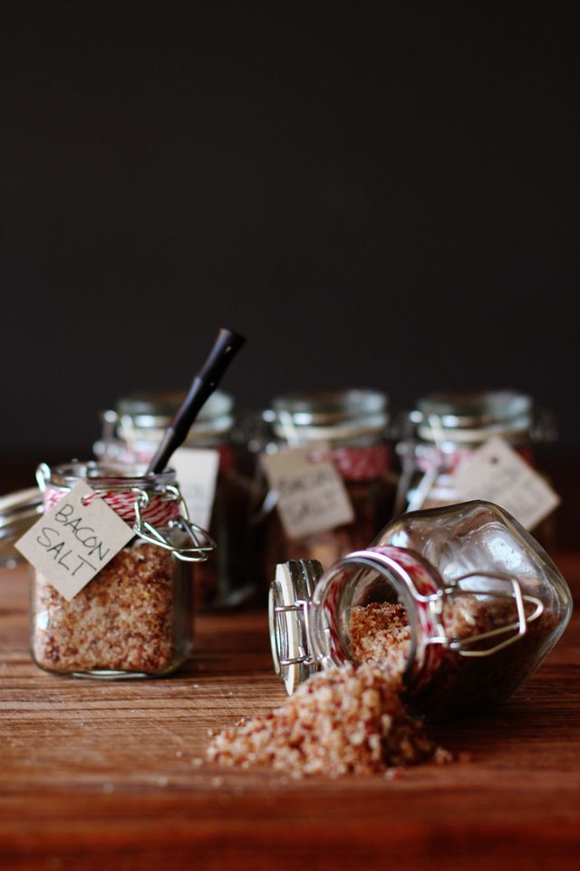Homemade Bacon Salt // HonestlyYUM