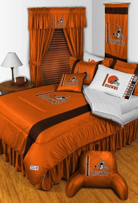 @Jessica Weatherington - Think Shawn would approve?  :)   Cleveland Browns NFL Sideline Bedding