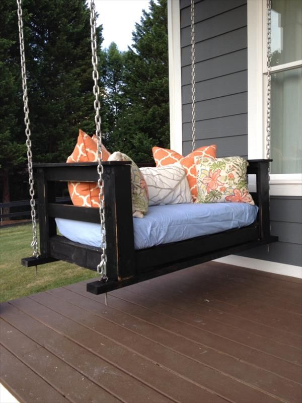 Best 25 pallet porch swings ideas on pinterest porch for How to make a pallet porch swing