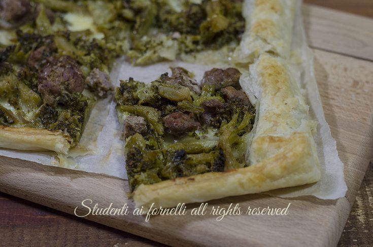 ricetta Sfoglia salata broccoli e salsiccia con mozzarella facile veloce gustosa rustico ricetta secondo piatto