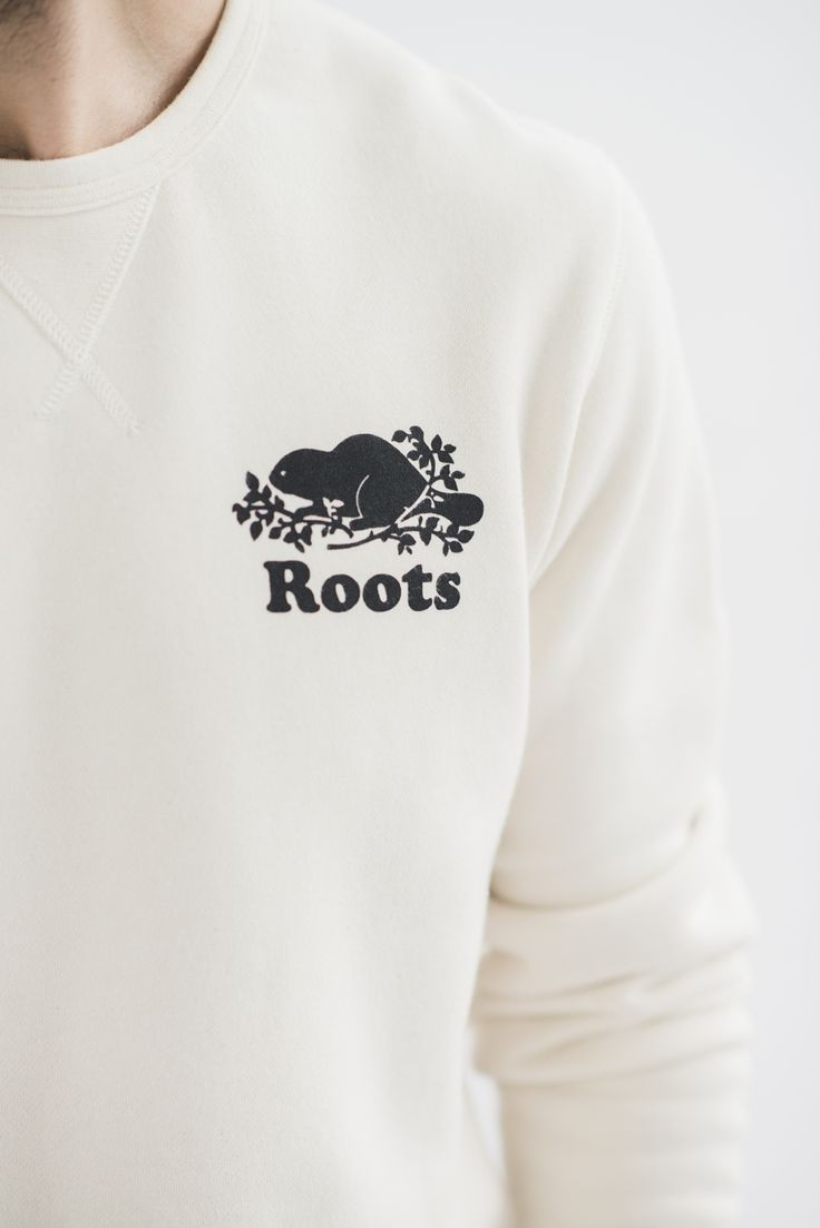 Our Raw collection is made from unprocessed, undyed fleece. Think of it as the perfect blank canvas to design your very own classic pullover. Get creative - draw, dye, DIY!