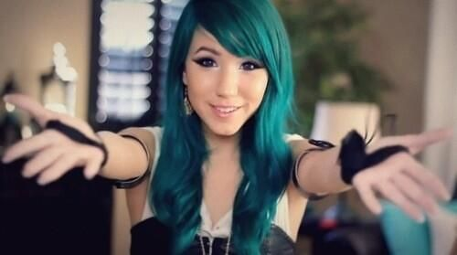 Cute asian girl • blue hair • happy smile | Eux ...