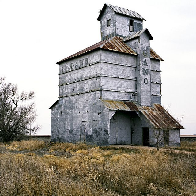 Abandoned building / Kansas