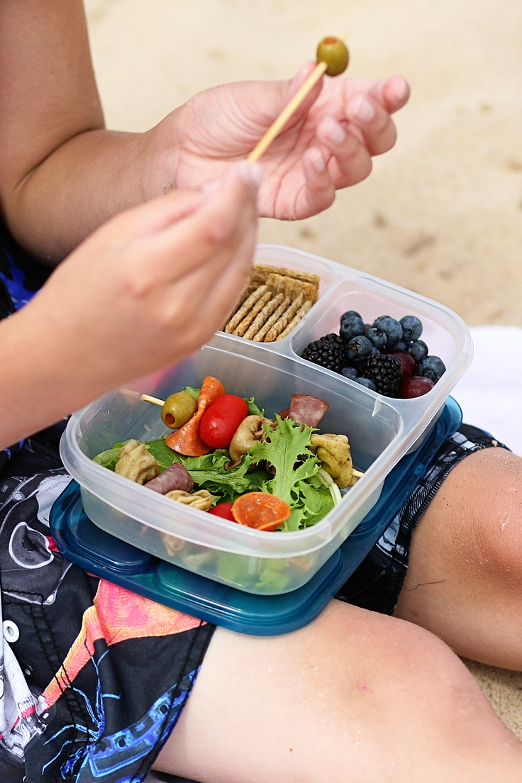 Tools for packing school lunches including @EasyLunchboxes